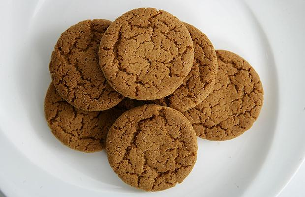 snaps 1.jpg biscuits ginger snaps